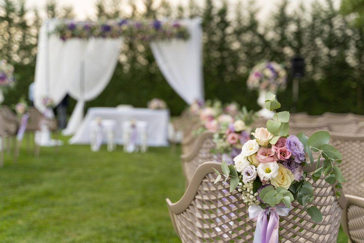 """Matrimoni 2021: dal 15 giugno tornano i ricevimenti con il """"green pass"""""""